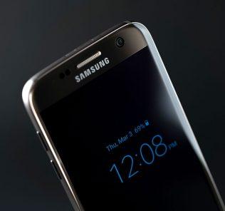 Samsung + Snapdragon 845