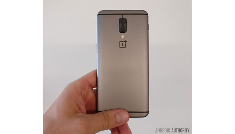 OnePlus 5 prototype image leaked, shows vertical dual camera setup; to come with 16MP Sony IMX398 camera